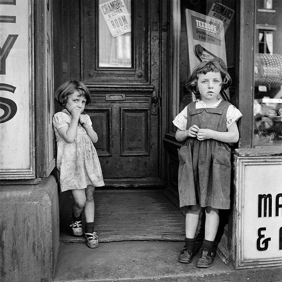 new-york-chicago-street-photography-vivian-maier-35