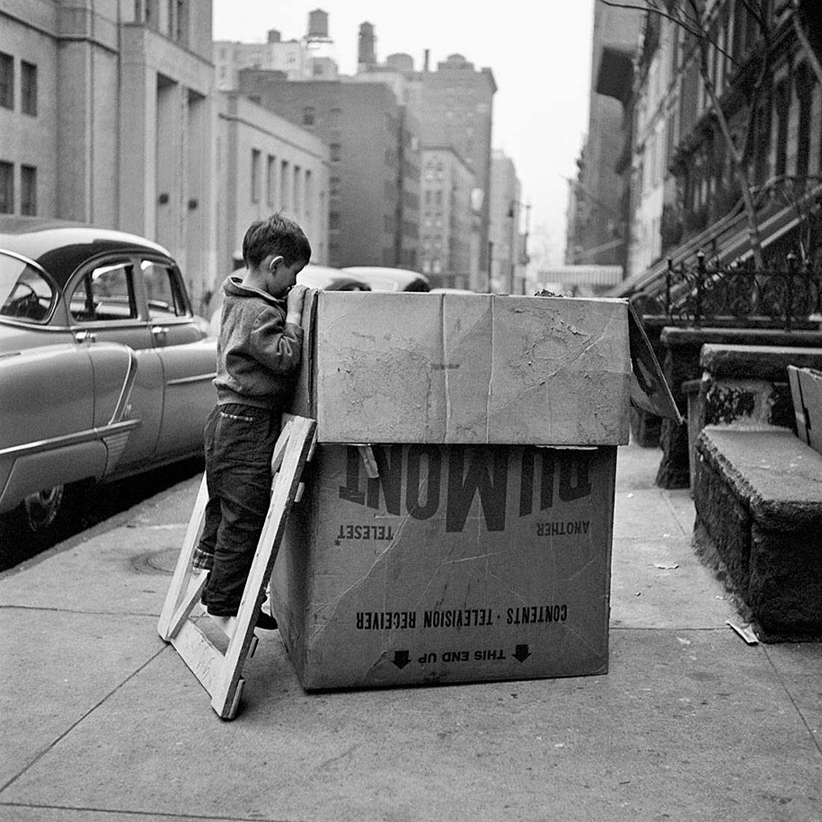 new-york-chicago-street-photography-vivian-maier-9